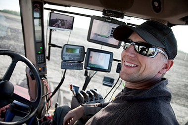 inside-tractor-view-electronics